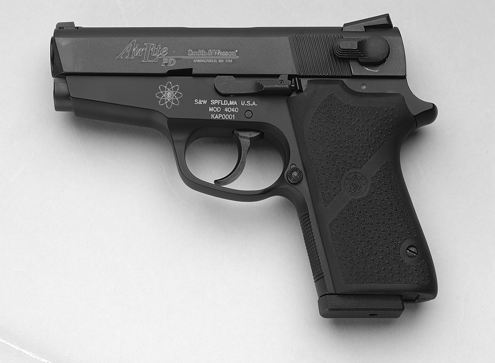SMITH & WESSON Model 4040PD :: Gun Values by Gun Digest